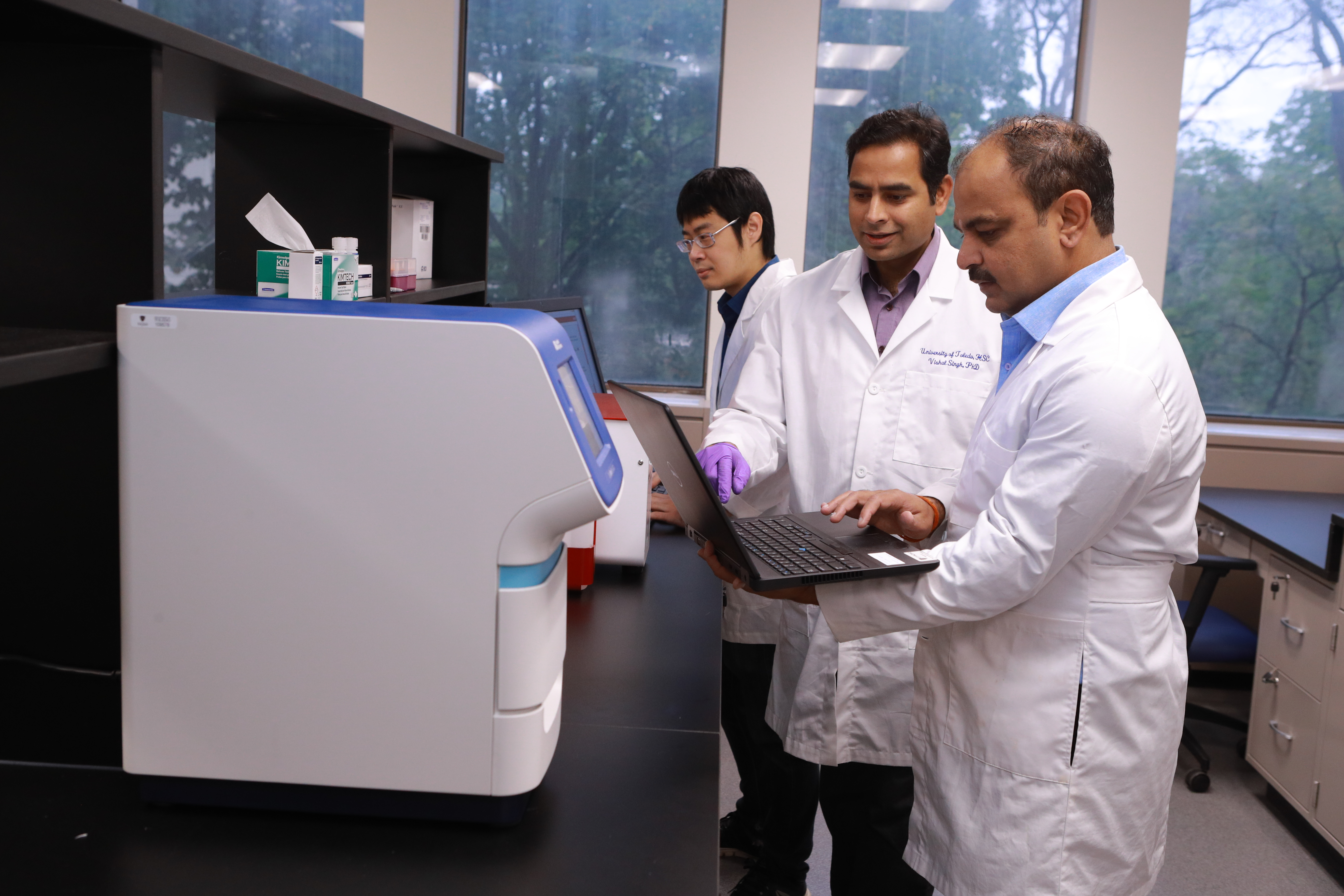 University of Toledo Researchers in the Lab