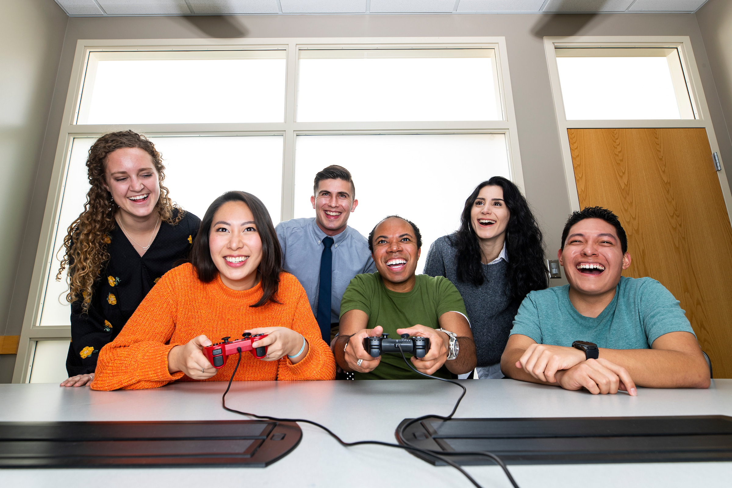 Study: Collaborative video games could increase office productivity