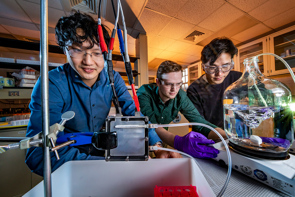 Illinois Researchers Develop a Device to Convert Toxic Arsenite in Water to the Less Toxic Arsenate