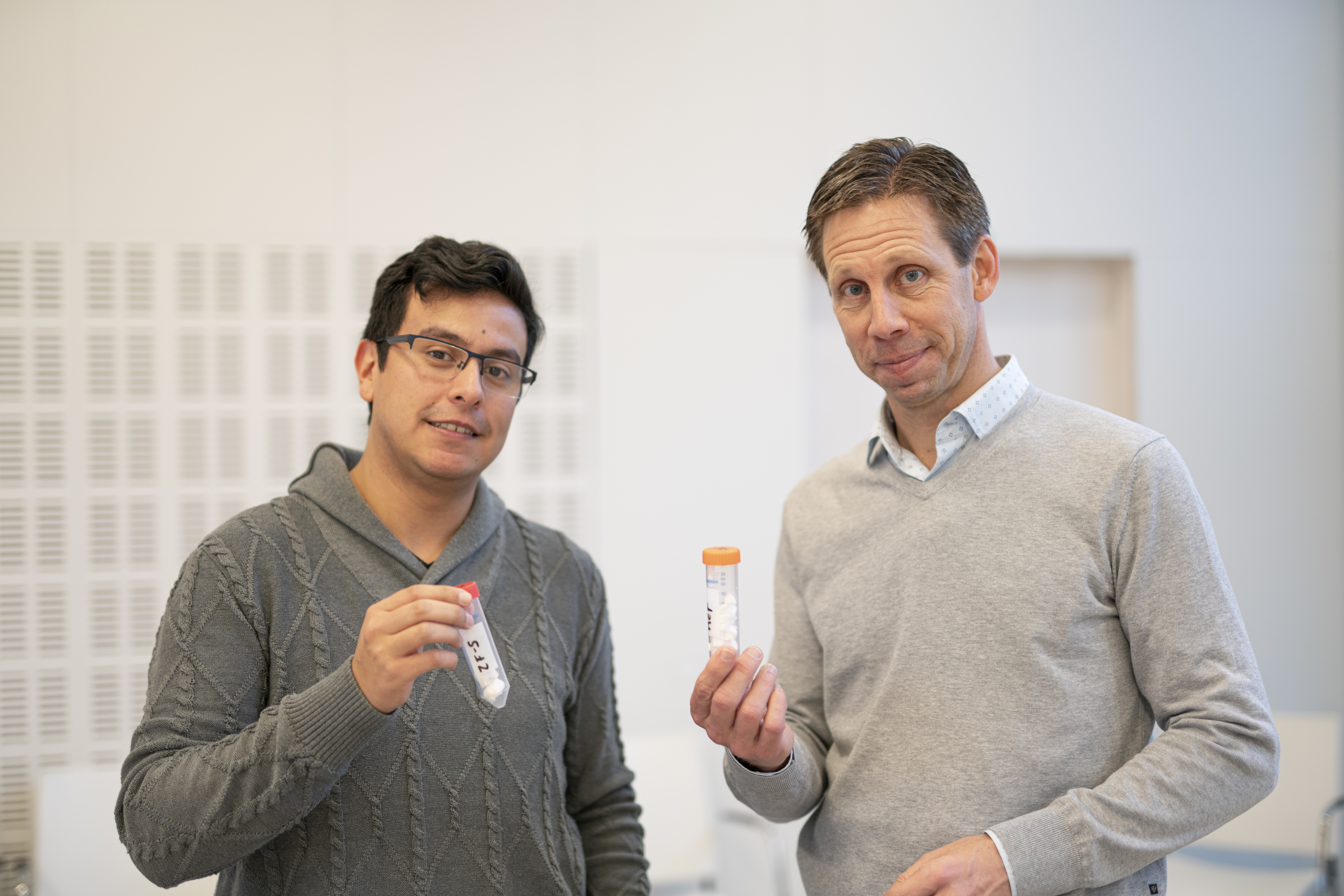Walter Rosas Arbelaez, left, and Anders Palmqvist, right, holding samples of the new material